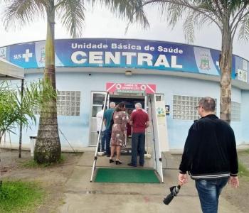 Em visita a Bertioga, deputado estadual, Luiz Fernando (PT) eonhece UBS Maitinga para onde destinou verba de R$100 mil